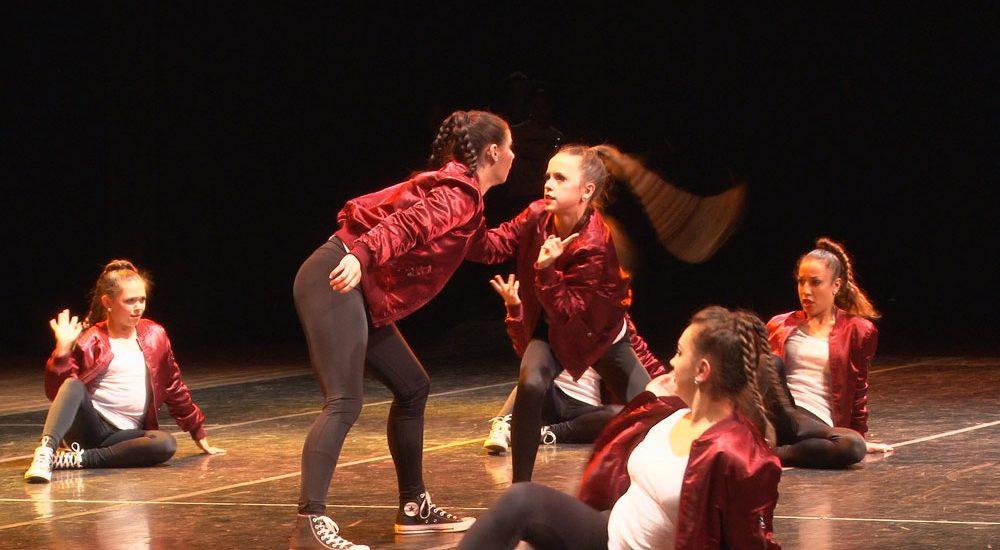 "Dancers perform ""Drop"""