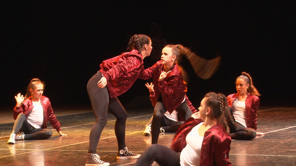 "Dancers perform ""Drop"""